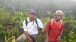 deux des membres du groupe de reconnaissance aacn au sommet de la madeleine