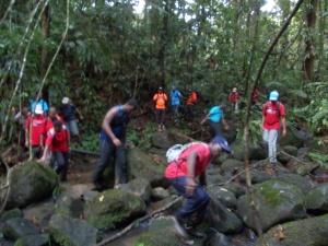 Le groupe dans la ravine