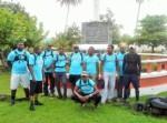 Le groupe aacn pose devant le square Christophe Colomb