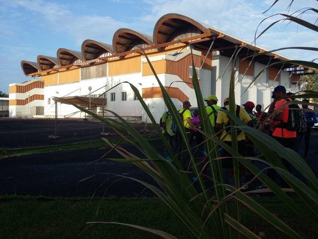 Regroupement et départ au gymnase de Capesterre Belle Eau