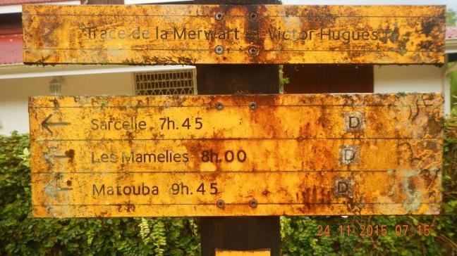 Panneau d'information sur les traces de la régionPanneau d'information sur les traces de la région