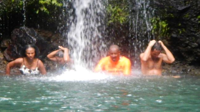 Baignade au bassin de la cascade bis